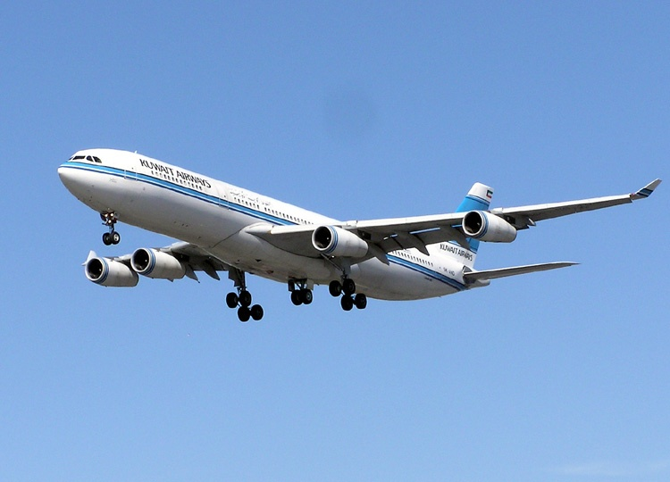 Kuwait_airways_a340_arp_750pix